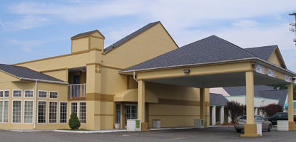 Hampton Bay Plaza & Suites pet-friendly